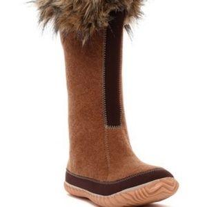 🆕️ Sorel - Cozy Joan Faux Fur Boots